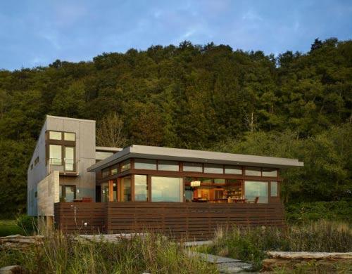 Moderna casa de madera de bjarko serra for Casas modernas en washington