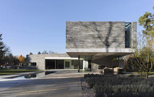 Casa rectangular en alemania for Casa moderna rectangular