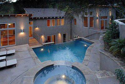 Ashton Kutcher vende su primera casa