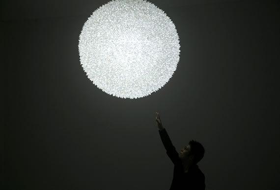 Lámpara de cristales en forma esférica