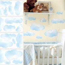 Muestra dividida en dos partes, a la izquierda modelos de vinilos de nubes y a la derecha cuna frente a una pared con las nubes aplicadas.