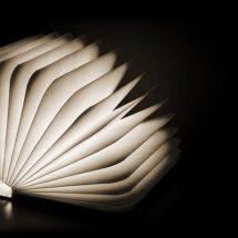 Lámpara libro: Lumio de Max Gunawan