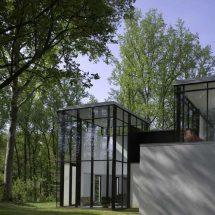 Casa en blanco y negro