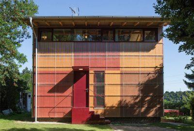 Casa con paredes transparentes en Praga