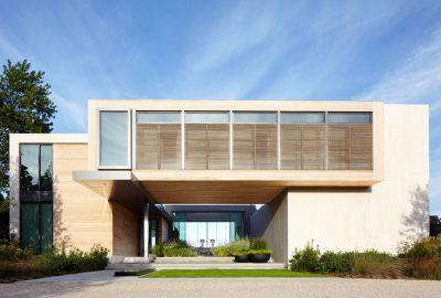 Casa de madera rectangular por Blaze Makoid