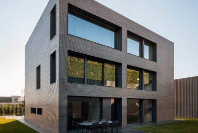 Casa moderna de 3 pisos en Barcelona por Francesc Rifé